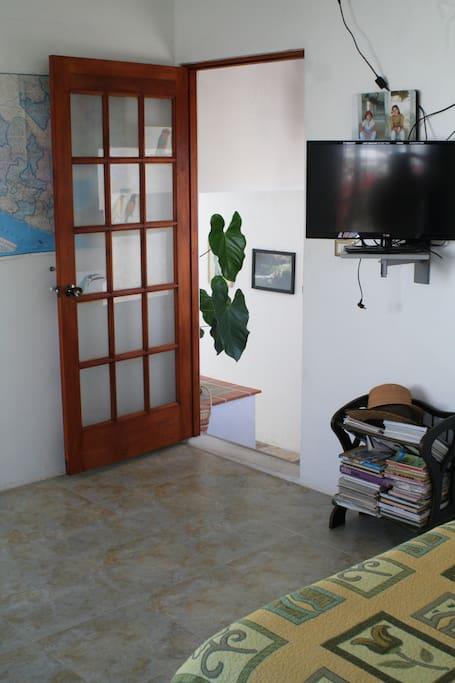 La entrada de la habitación