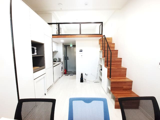 #1 YJ  House with loft, Yeouido(Seoul stn. 8min)