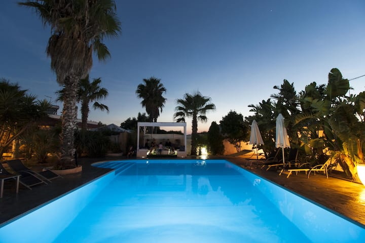 Villetta con piscina parco naturale