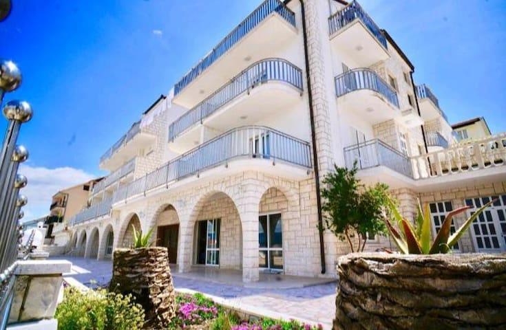 Family Miskovic Villa in Trogir
