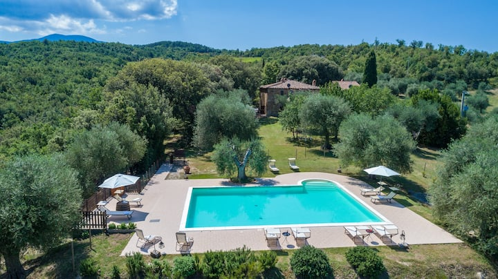 Tuscany. Private house with great view and pool