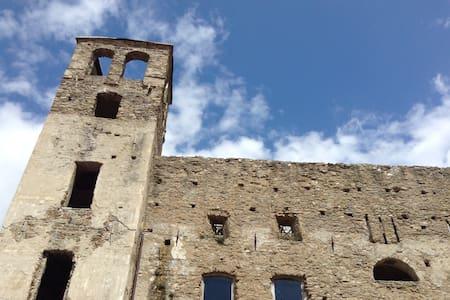 Schöne Wohnung auf der Burg - Dolceacqua - Квартира