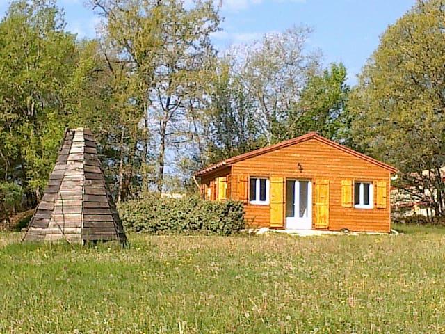 Lot,chalet neuf 2 pers.calme,nature - Dégagnac - Chalet