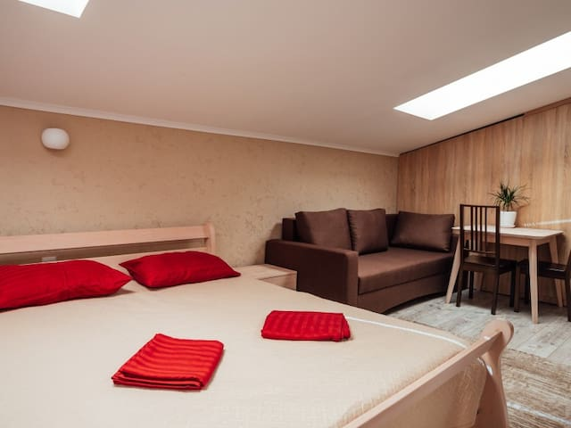 "20-А Delux room. Apartments premium in the historic center ""GALAGOV"""
