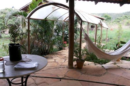 Lila Space: Villa 100 Near Brasilia - Cocalzinho de Goiás - 小木屋