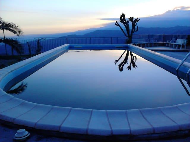 Stanza singola con bagno in villa - Chianchitta-trappitello - Willa