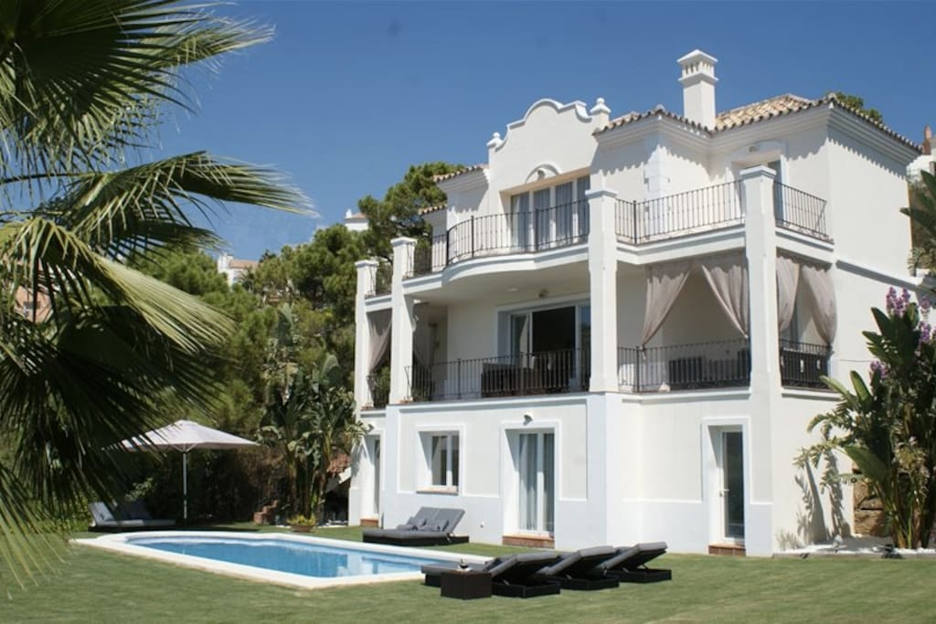 Villa Carlía (Benahavis)