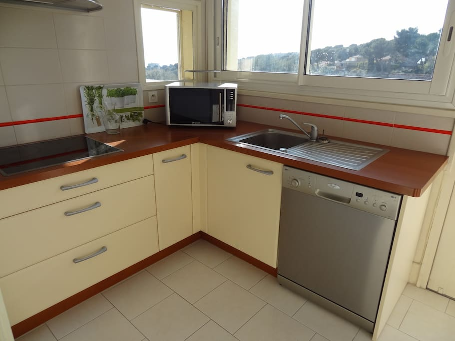 Appart 4 Pers Piscine Pkg Wifi Flats For Rent In Cassis Provence Alpes C Te D 39 Azur France