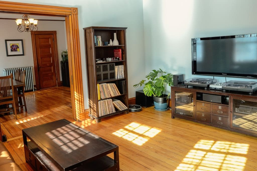 Full home-entertainment center, including large flat-screen TV