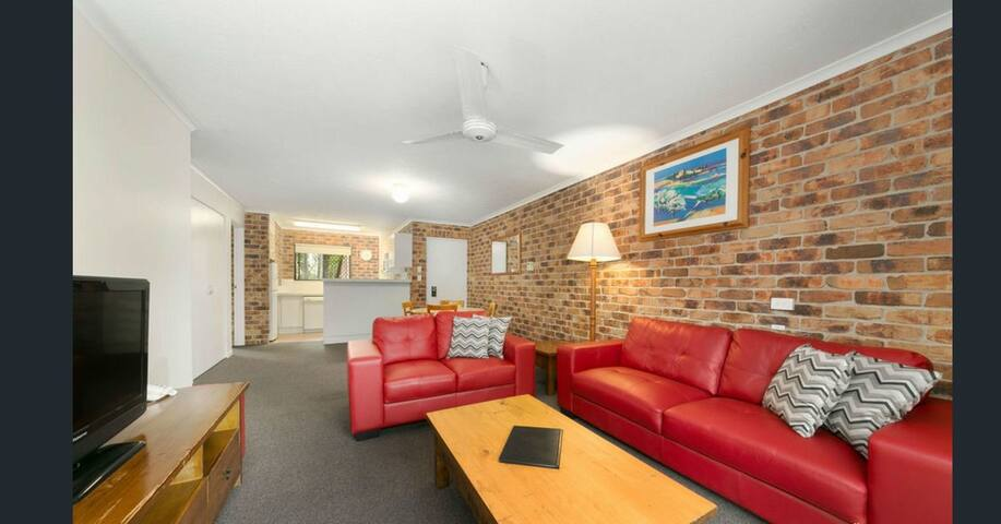 2 Bedroom Unit in Toowong/City View/Pool