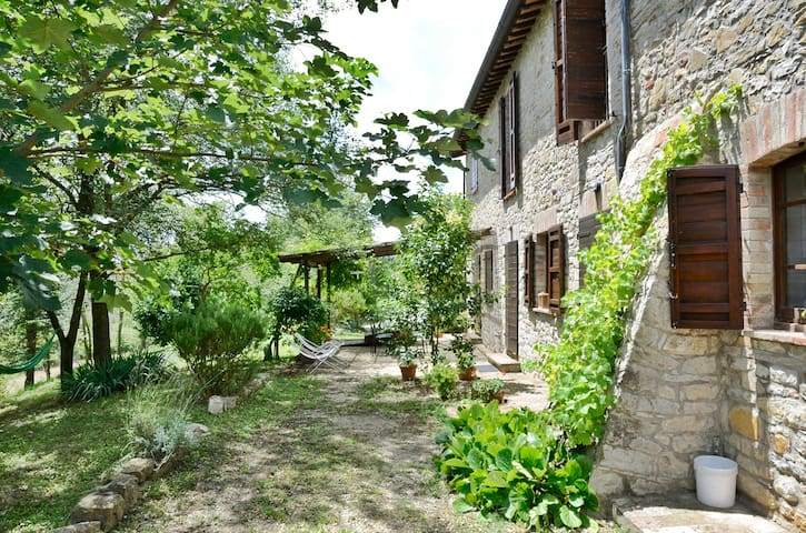 Family friendly vacation home, Il Mandorlo - apt2 - Rotecastello - Apartamento