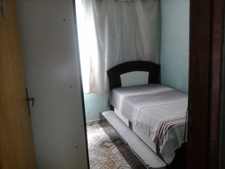 Quarto Solteiro com duas camas