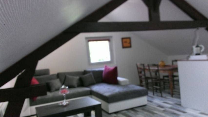 Gîte (Anges de Taizé) 2 P 85 € (5 couchages) - Cormatin - House