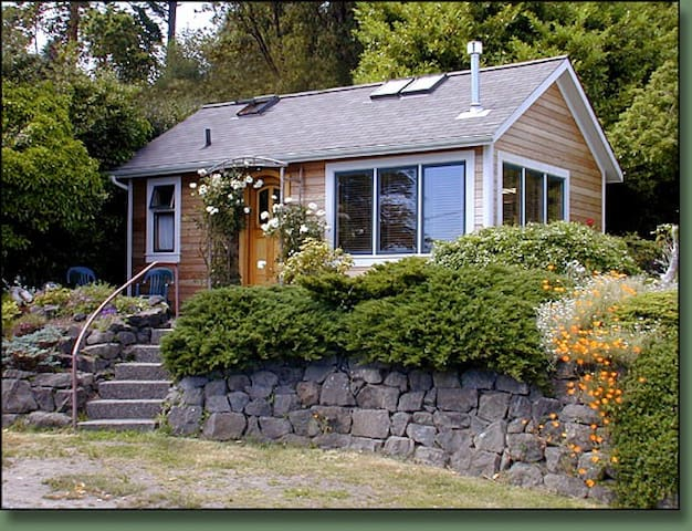 Morgan Hill Guest Cottage - Port Townsend - กระท่อม