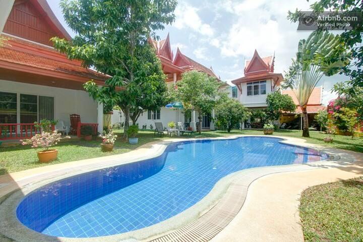 2 B guest houses and B villa Thai