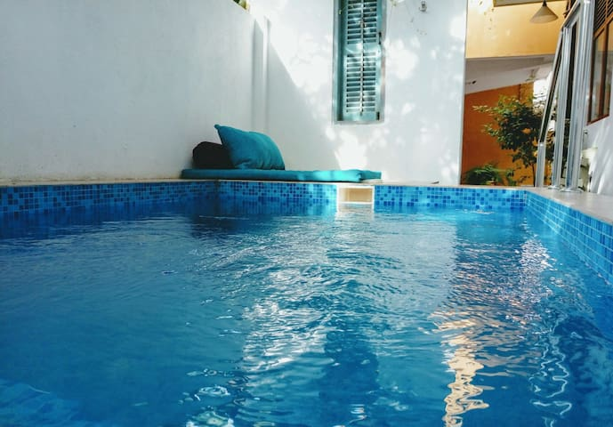 Villa with Plunge pool and jacuzzi