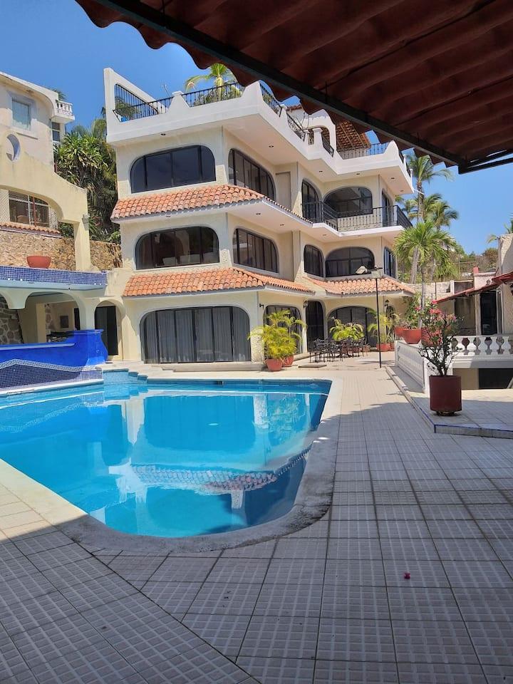 Casa en Acapulco. Vista panoramica al mar