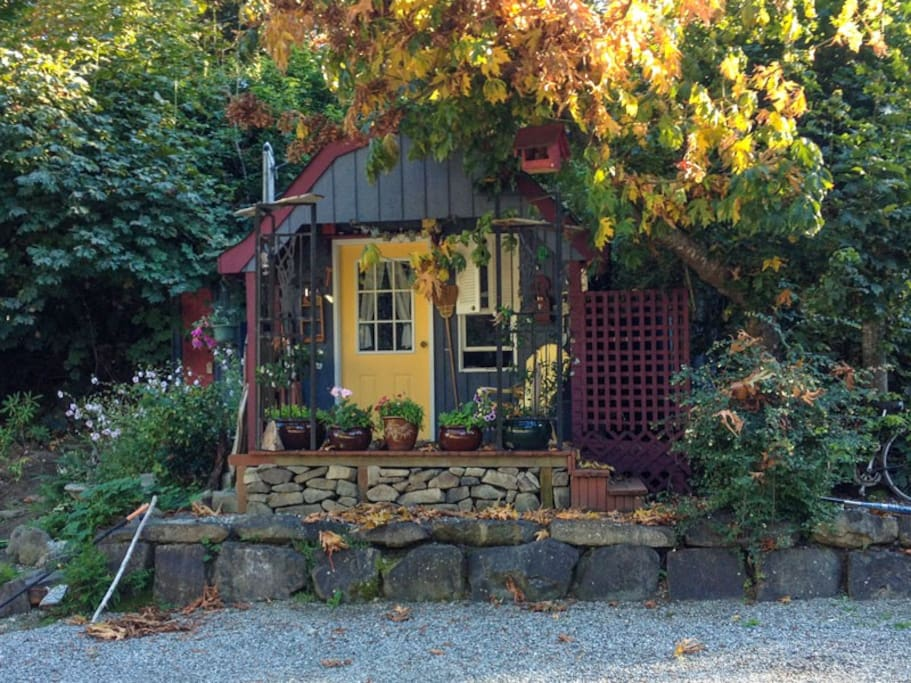 Cyclist Cabin.  Double bed with outdoor shower & toilet. (.  $89.00 per night)cot is available