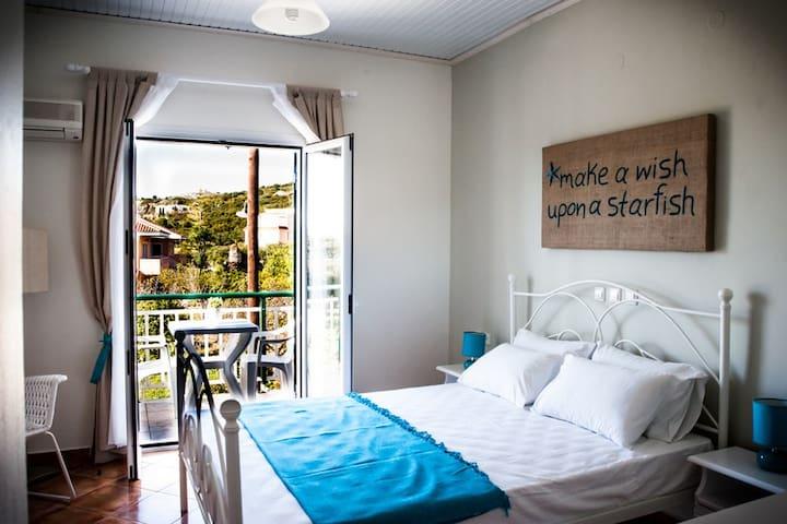 SeaViewStudios Supstudio double bed - Minia - Rumah