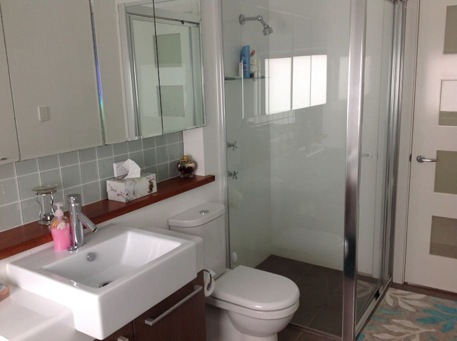 Bathroom for bedroom 2 guests