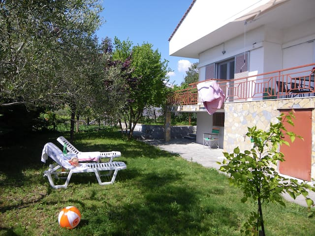 Chalkidiki - Residence with garden in Lakkoma