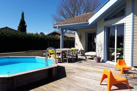 Villa, 4 chambres, 8 couchages, piscine chauffée