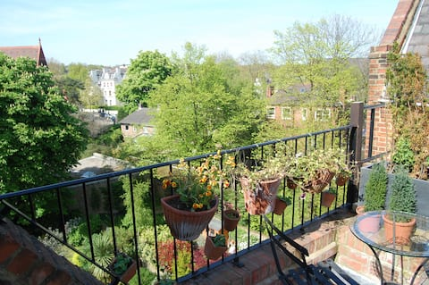 Room for short stay, beautiful, quiet flat