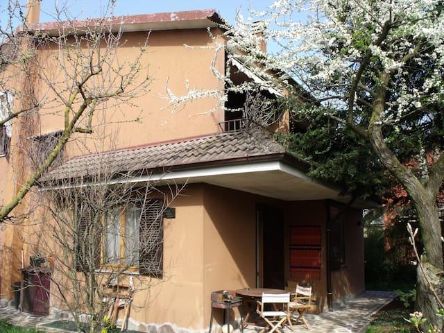simpatica villetta brianzola - Campofiorenzo-California - Σπίτι