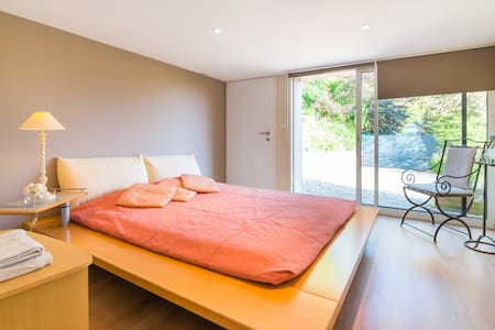 Easy Lyon:spacious quiet guestsuite