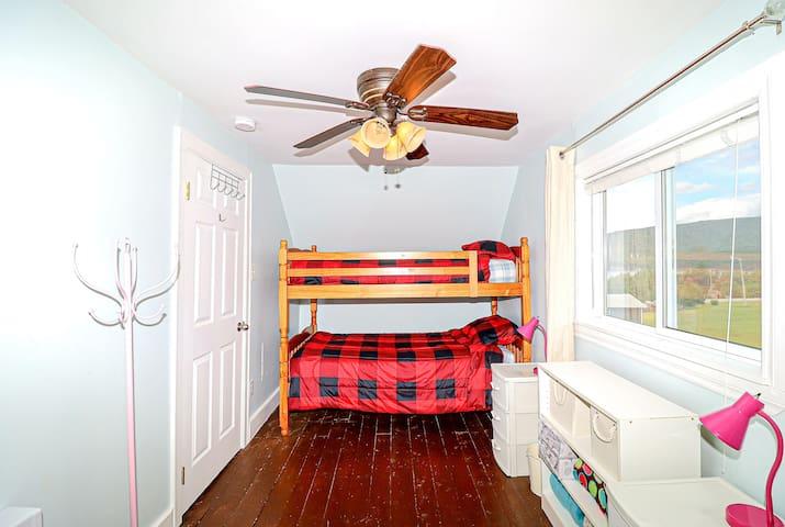 Third Bedroom (Bunk Beds & Double Bed)