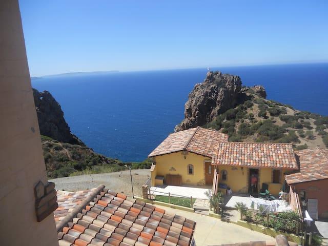 Casa Enrico Sardinia seaview pool. - Nebida - Casa