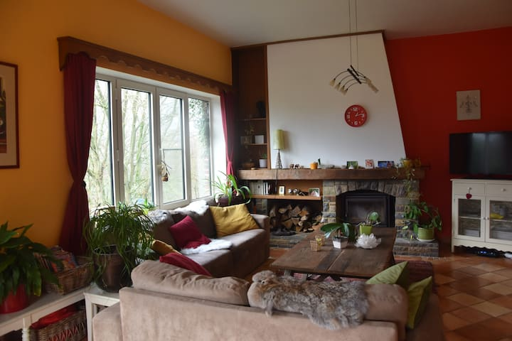Beautiful house in Thuin with spectacular panorama