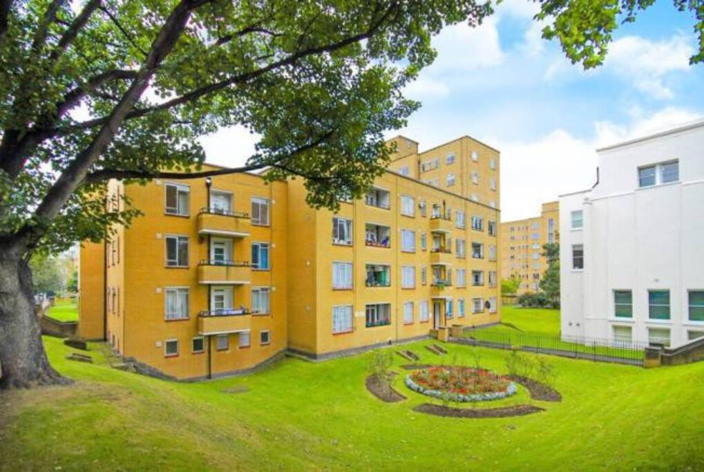 The naturally apartment building within spectacular location of heart of  the London city!