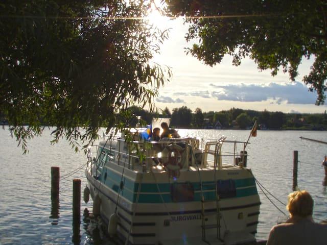 Hausboot Vetus 915