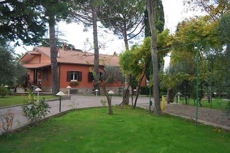 Villa Margherita a Montopoli Sabina - Granari - Casa de camp