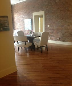 City Loft in Downtown Spartanburg - Spartanburg - Lägenhet