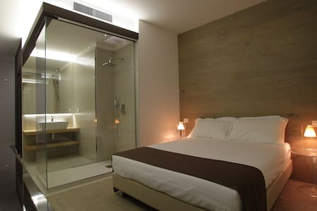 Borgoleoni18 - BL2 - Ferrara - Bed & Breakfast
