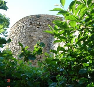 AN ARTIST'S CASTLE TOWER IN UMBRIA - Montefalco - Haus