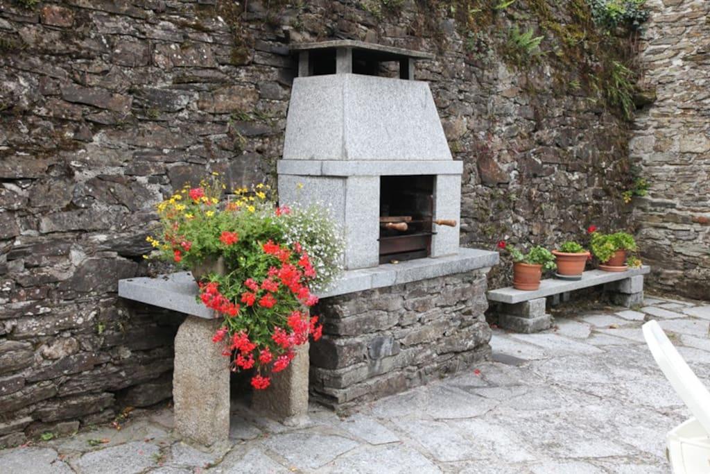 La Gorge - Extérieur - Barbecue