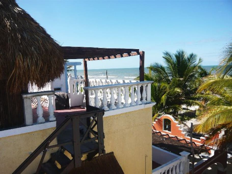 Casa Maya Lodge, Eagle Nest over the Palmtrees, Beachfront near Holbox
