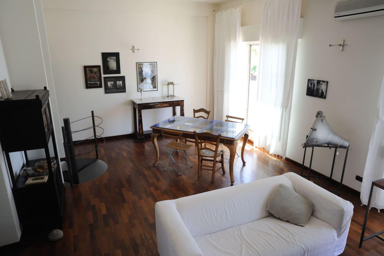 Appart 2. Zona giorno. The living area