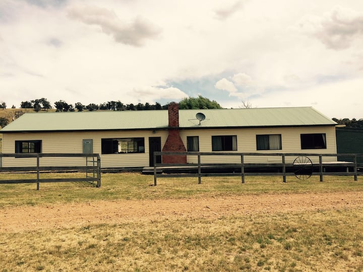 Spacious house close to Jindabyne and Cooma