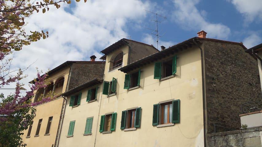 Affascinante Appartamento sul Fiume - Stia - Daire