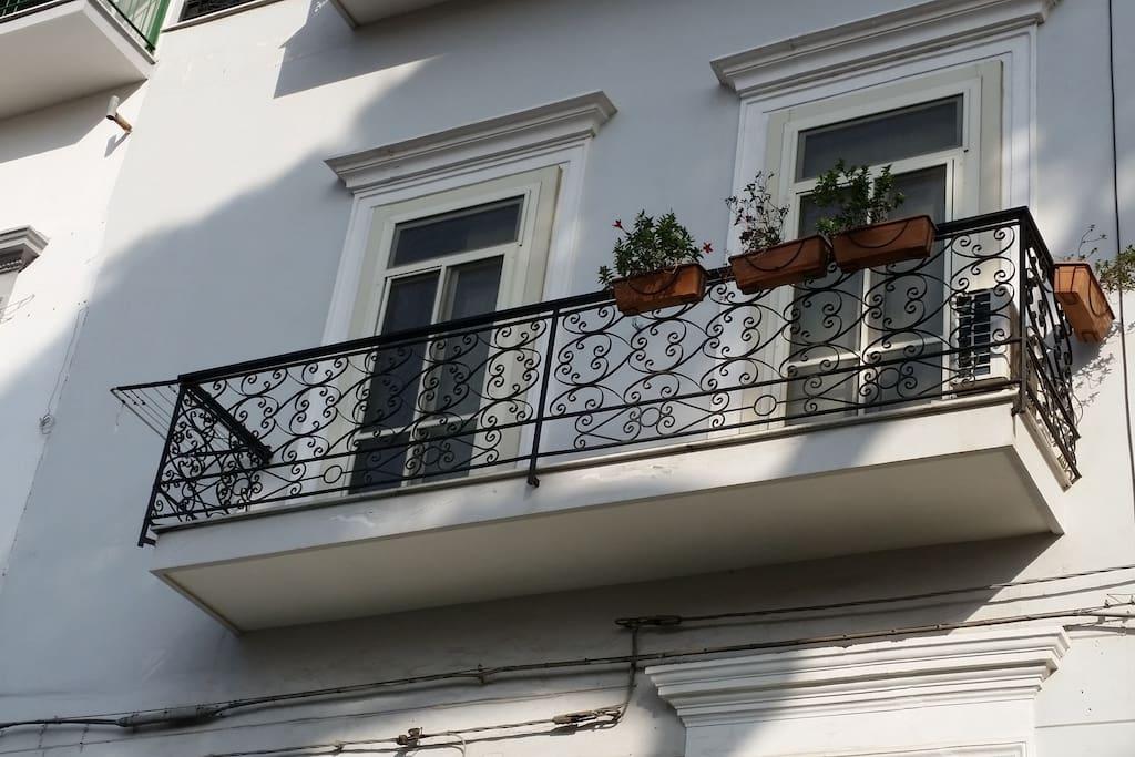 Il balcone sulla piazza