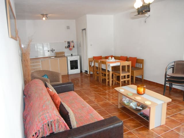 two large apartment on the coast near Tivat for 8+ - ME - Villa