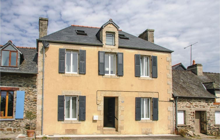 Terraced house with 4 bedrooms on 130 m² in Caurel