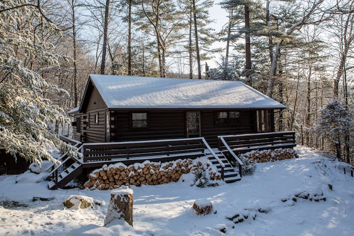 The Lumberland Cabin