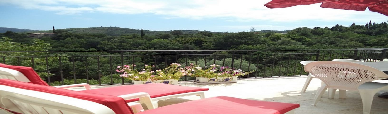HOUSE WITH A PANORAMIC VIEW IN CORBIERES!