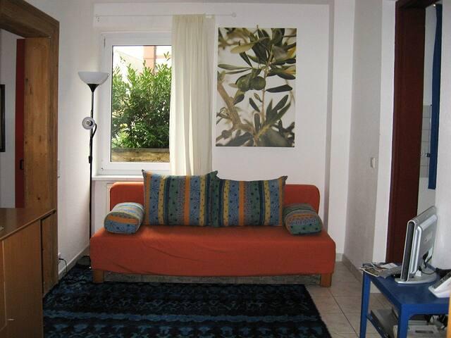 Rundgang Ferienwohnung /Das kleine Zimmer zum Wohnen....