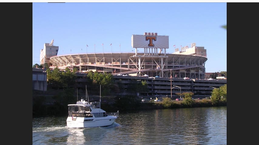 Close to Stadium: Large Lot for RVs or Tent City!!